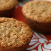 Muffins med Snicker-schokolade og peanutbutter
