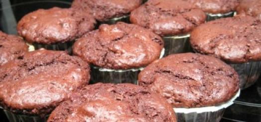 Chokolade muffins med nødder